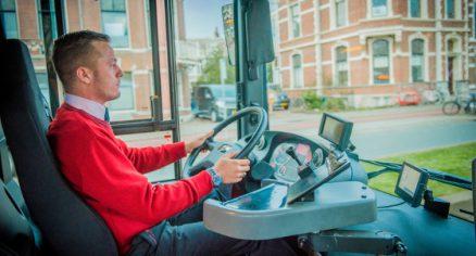 Buschauffeur in opleiding bij MobiWerk Vervoer